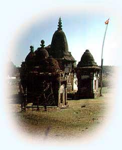 versinkende Tempel an der Narmadaquelle