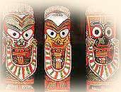 Sri Jagannath, der Kontrollierer  des Universums, mit Bruder und  Schwester