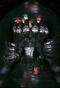 Shiva ,Shankar und Shamboo sind nur einige Namen der 1008 Aspekte Rudras